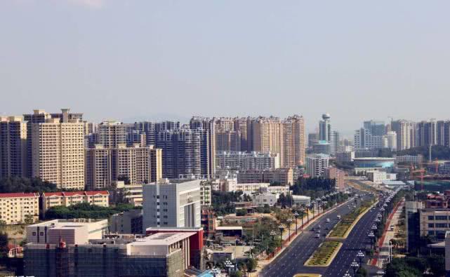 中国最大的鞋都,一年生产7亿多双鞋,远销80多个国家