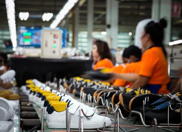 深度!制鞋业步步为营,产业警钟正在敲响 !