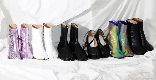 Maison Margiela Tabi裸靴系列