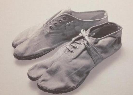 上世纪50年代的Onitsuka马拉松Tabi运动鞋